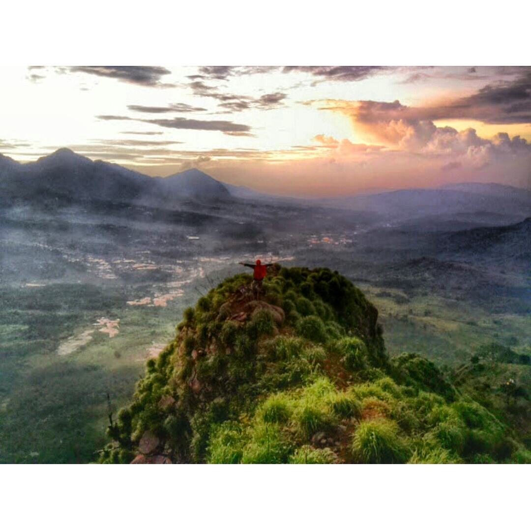 gunung batu jonggol bogor