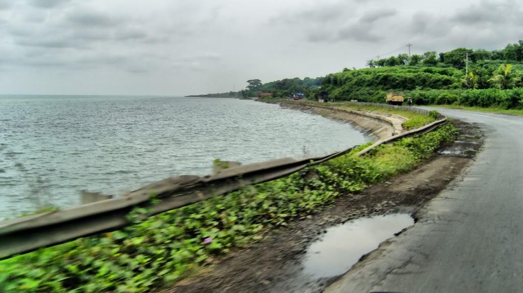 Hasil gambar untuk pantai binangun rembang