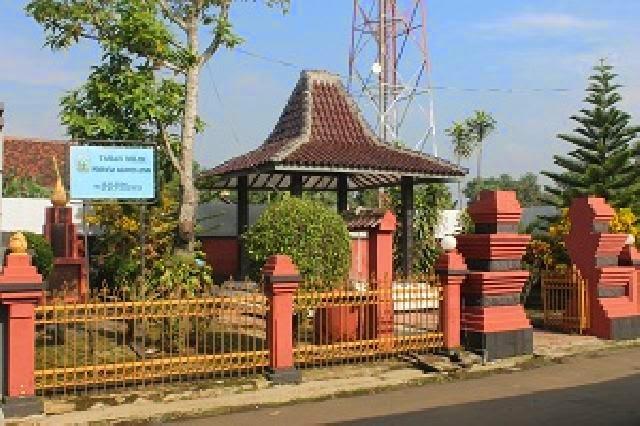 kecamatanmayong.blogspot.com