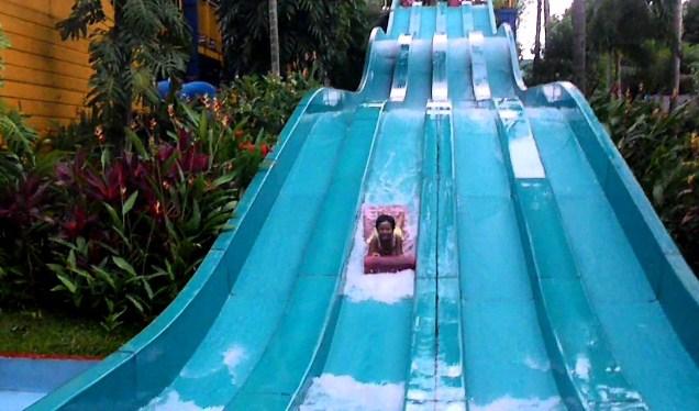 Harga Tiket Masuk The Jhon S Cianjur Aquatic Resort Trip