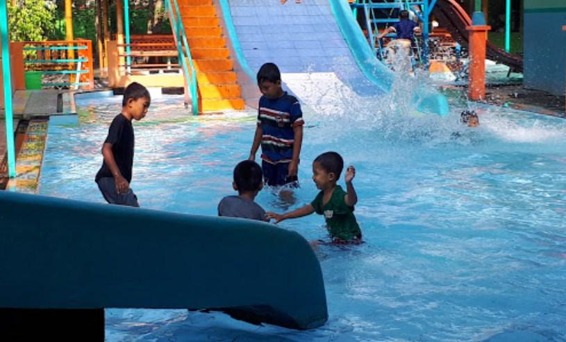 deretan kolam renang di jombang beserta tiket masuknya trip jalan rh tripjalanjalan com