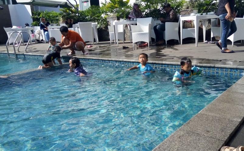 Deretan Kolam Renang Di Tasikmalaya Beserta Tiket Masuknya Trip