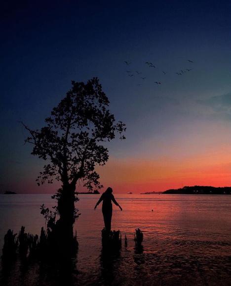sunset di pantai nirwana