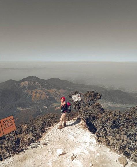 Gunung lawu via cetho