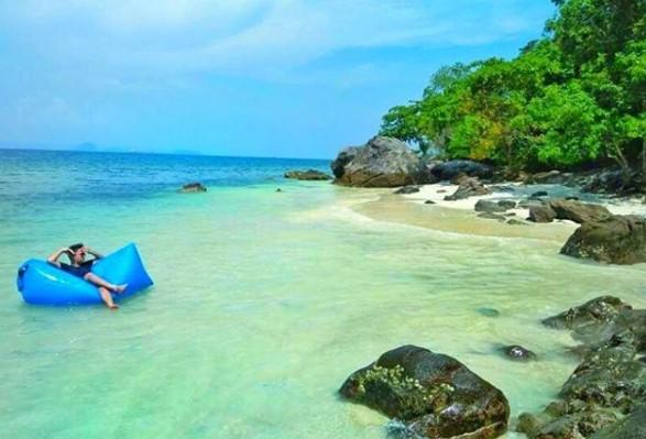 akses ke pulau tangkil
