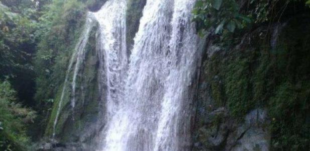 Air Terjun Gunungsari Kasreman Ngawi