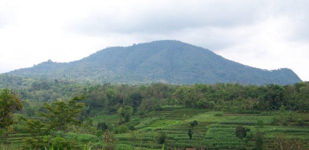 Indahnya Gunung Gunung di Indonesia Ini, Jadi Kepengen…