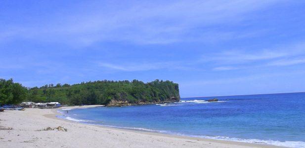 6 Pantai di Blitar Yang Bakal Buat Kamu Terpesona
